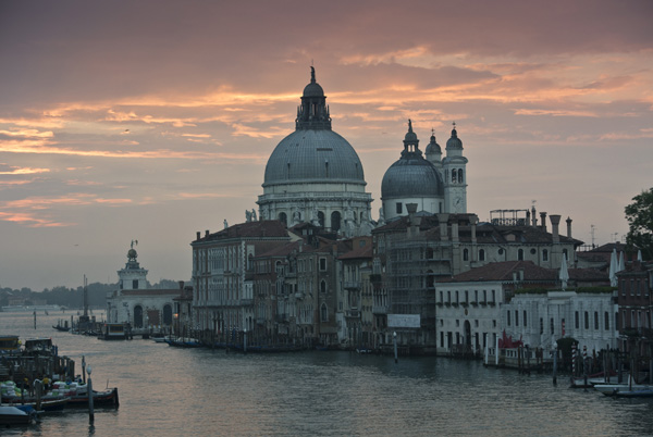 Gran Canal and Salute at dusk