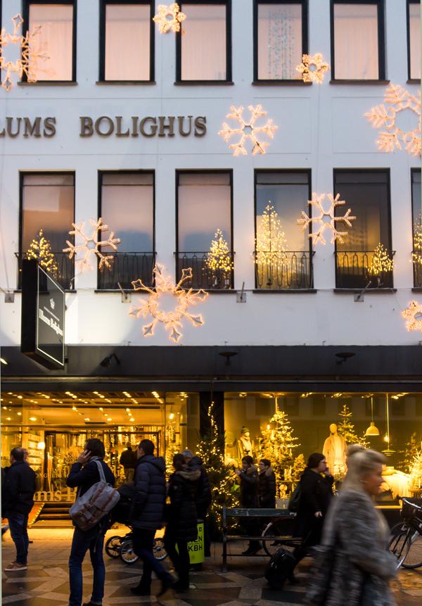 Illums Bolighus Exterior, Holidays. Photo by Suzanne Nillson: https://www.flickr.com/photos/infomastern/